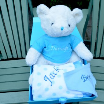 Baby hamper personalised bib with teddy blanket