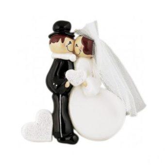 kissing wedding couple decoration
